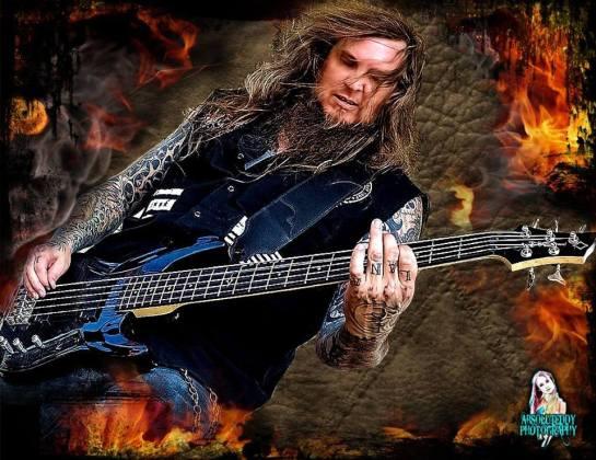 bassist Kurt Arft